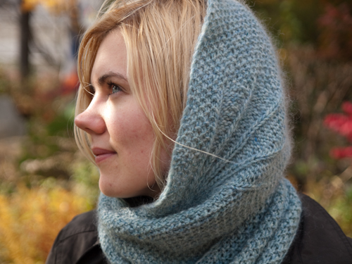 modele tricot col capuche